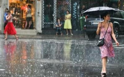 Cod Galben de ploi si vijelii, de joi, de la ora 18,00, până vineri seara
