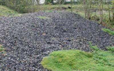 Deşeuri periculoase de plumb depozitate în aer liber în judeţul Hunedoara. Valorile normale sunt depăşite de 800 de ori