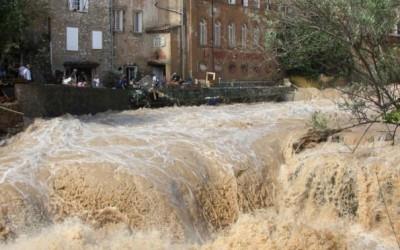 Cod rosu inundatii in Gorj si Valcea