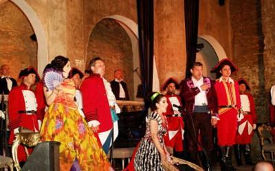 'Opera Nights' - cinci zile de operă la Castelul Corvinilor şi la poalele Cetăţii Deva