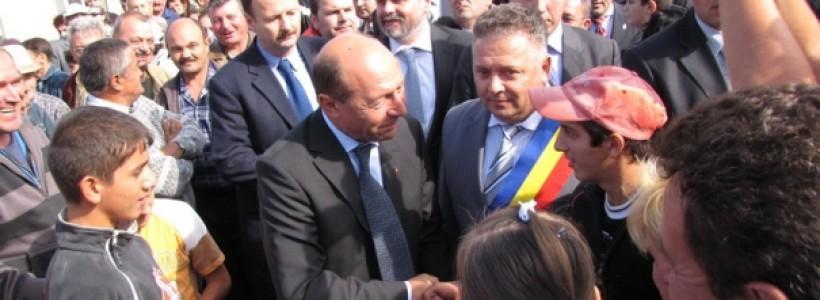 Traian Basescu la Sannicolau Mare in anul 2009