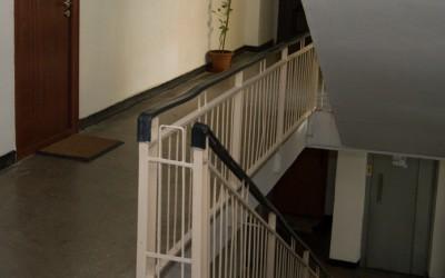 femeie de 80 de ani a cazut de la etaj in Arad