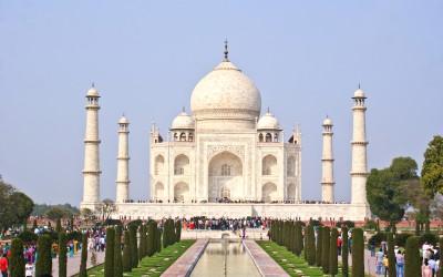 Turiştii pot rezerva bilete online pentru a vizita Taj Mahal-ul