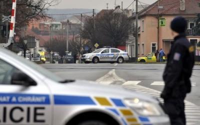 Atac armat soldat cu nouă morţi într-un restaurant din estul Cehiei