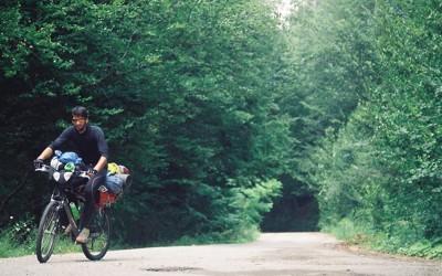 4.000 de kilometri pe bicicletă în căutarea fericirii. Un lugojean