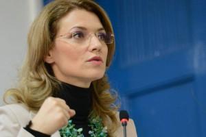 Alina Gorghiu avertizează că modificarea Legii de organizare a SRR și SRTV poate duce la distrugerea Radioului public