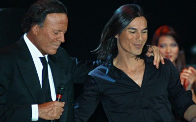 Julio Iglesias va cânta în România alături de fiul său Julio Iglesias Jr.