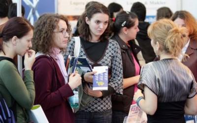 Bursa locurilor de muncă pentru femei, la Arad