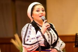 """VIDEO – Mariana Anghel în direct la Radio Timişoara, cu noul ei album """"Suntem uniţi de Carpaţi"""""""