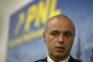Deputatul Horia Cristian consideră că unificarea SRR și SRTV poate duce la moartea Radioului românesc