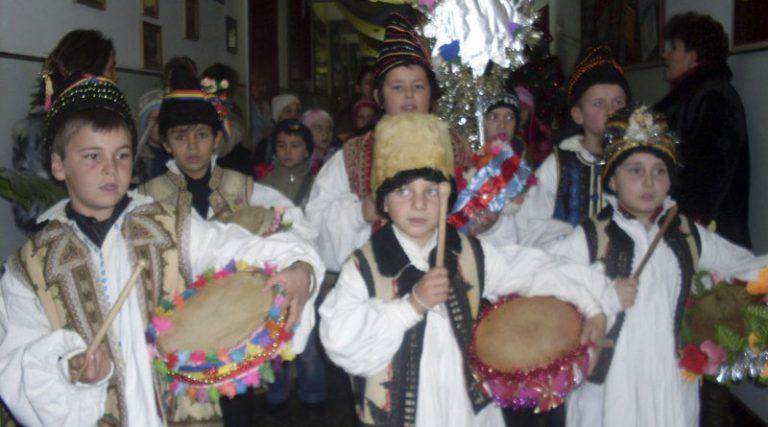 Caravana tradiţiilorde iarnă Glasul Aradului