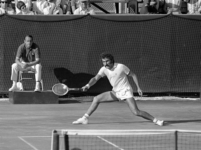 Ion Tiriac tenis alb-negru