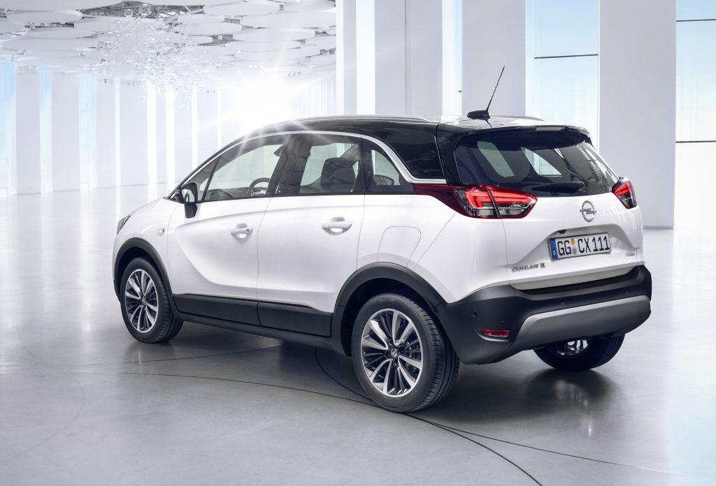 Opel Crossland X, cu16 cm mai scurt decât Astra dar cu 10 cm mai înalt!