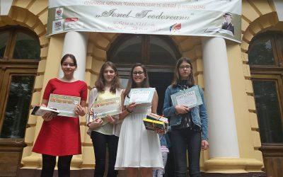 De la stânga la dreapta: Miruna-Teodora SPINEANU - clasa a VIII-a- Premiul Special