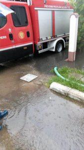 Inundatie pe strada Lamaitei